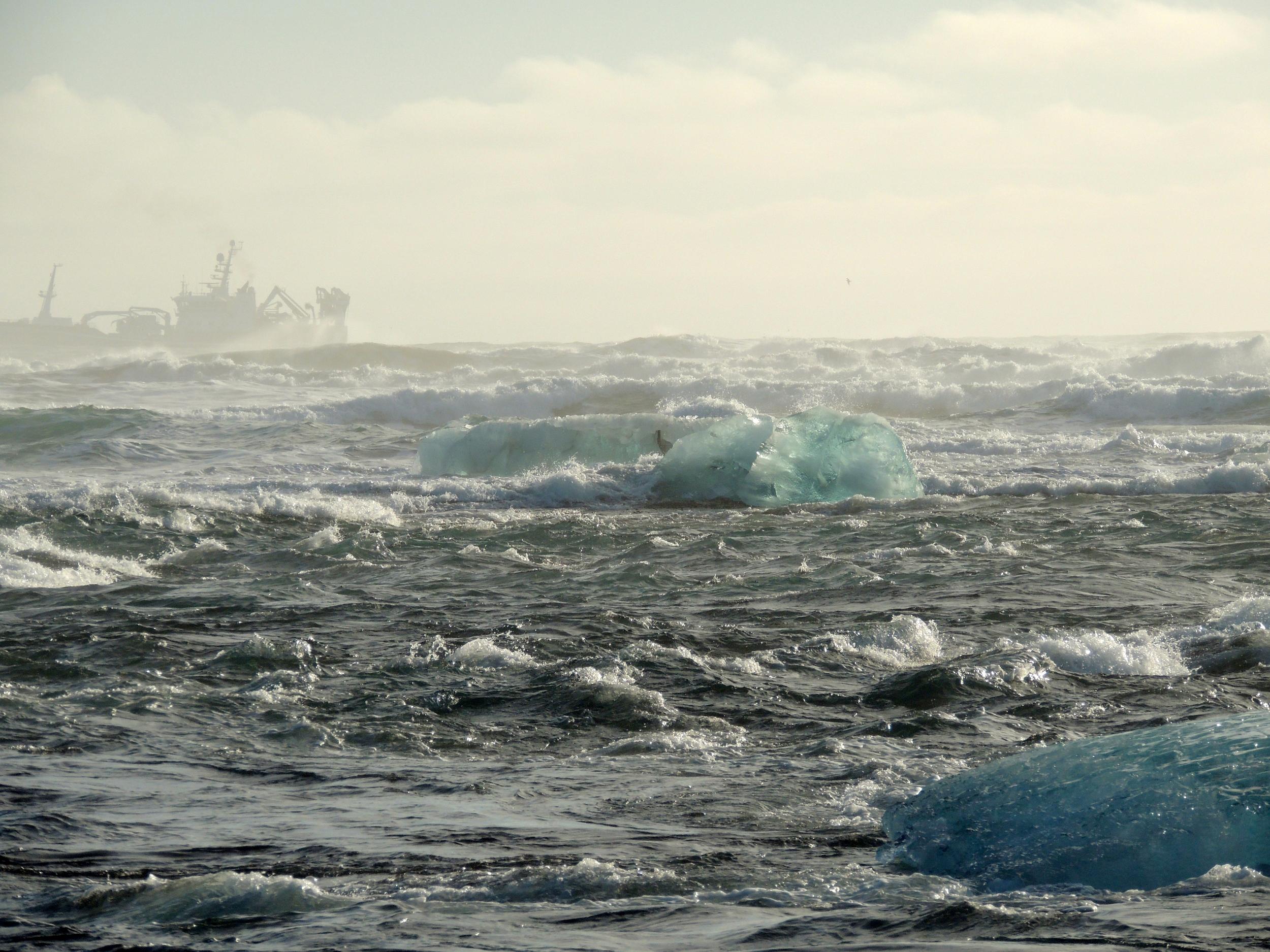 ilovethistoday-iceland-icebergs7