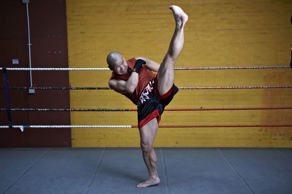 Shaolin temple uk shifu yanzi kick 19.jpg