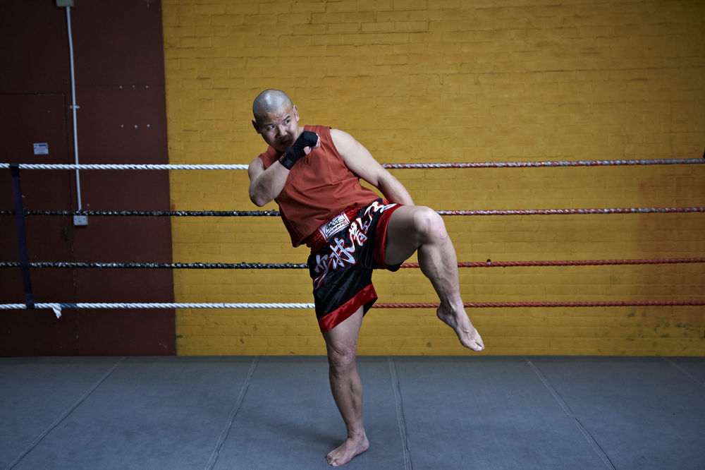 Shaolin temple uk shifu yanzi kick 25.jpg