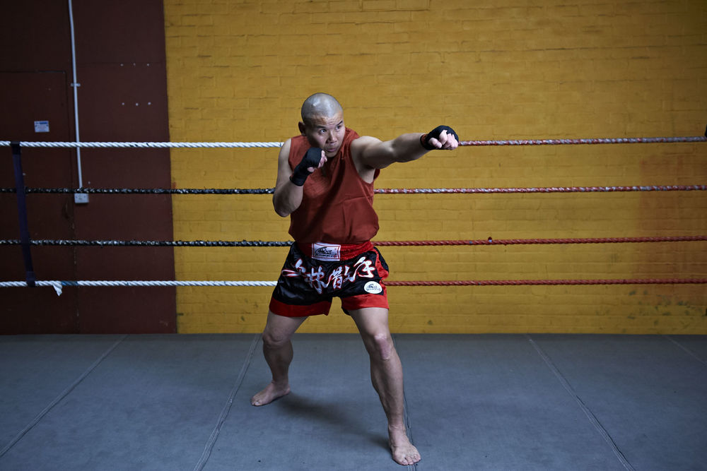 Shaolin temple uk shifu yanzi kick 28.jpg