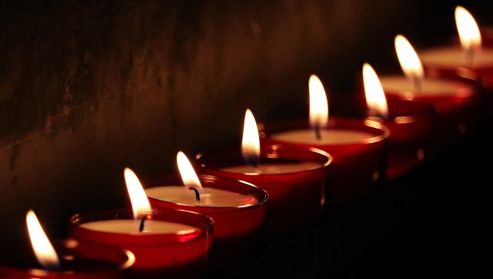 tea-lights-2223898_1920.jpg