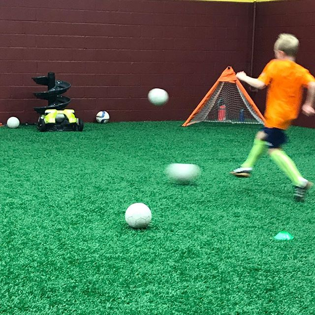 We love this picture. It shows the TOCA Touch Trainer in action delivering a ball to one of our enthusiastic players. Did he master the first touch on this ball? Good news is that he got to work on this touch again and again throughout the session. #firsttouchiseverything #soccerlife #soccerpractice #soccer