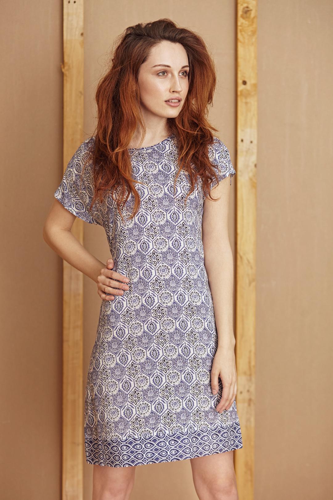 162ac83cca1a08 Sukienka w niebieskie wzory