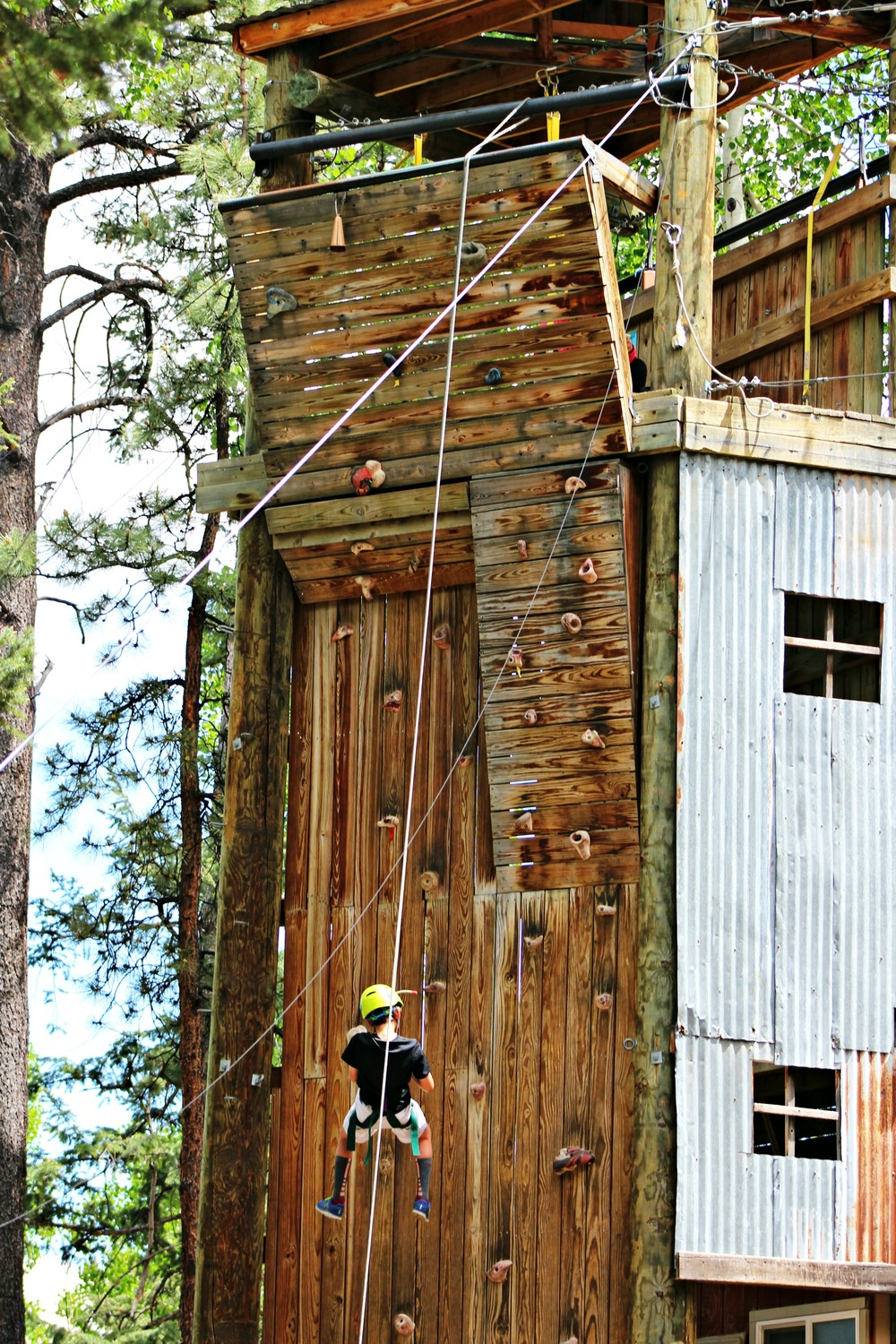 trail-west-lodge-climbing-tower