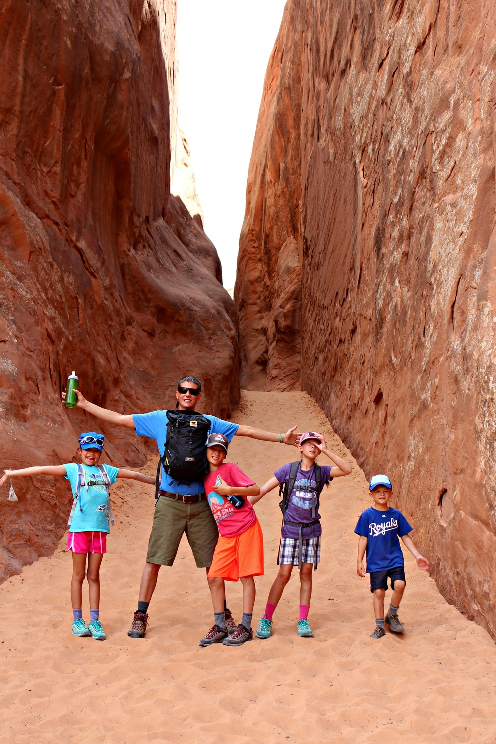 finding-shade-hiking-with-kids-arches-national-park