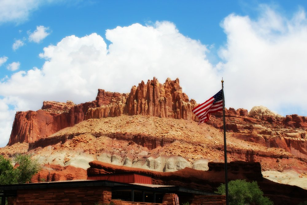capitol-reef-visitor-center