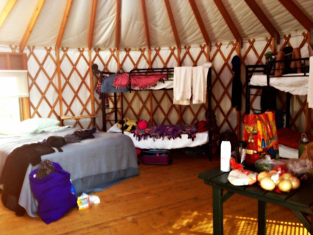 inside-yurt-snow-mountain-ranch