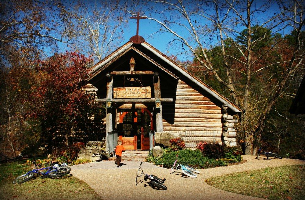 chapel dogwood canyon missouri