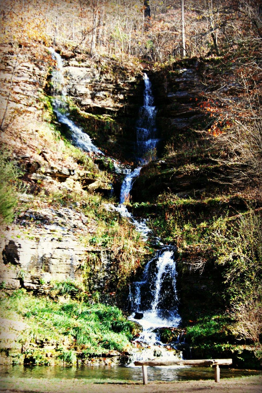 waterfall dogwood canyon missouri