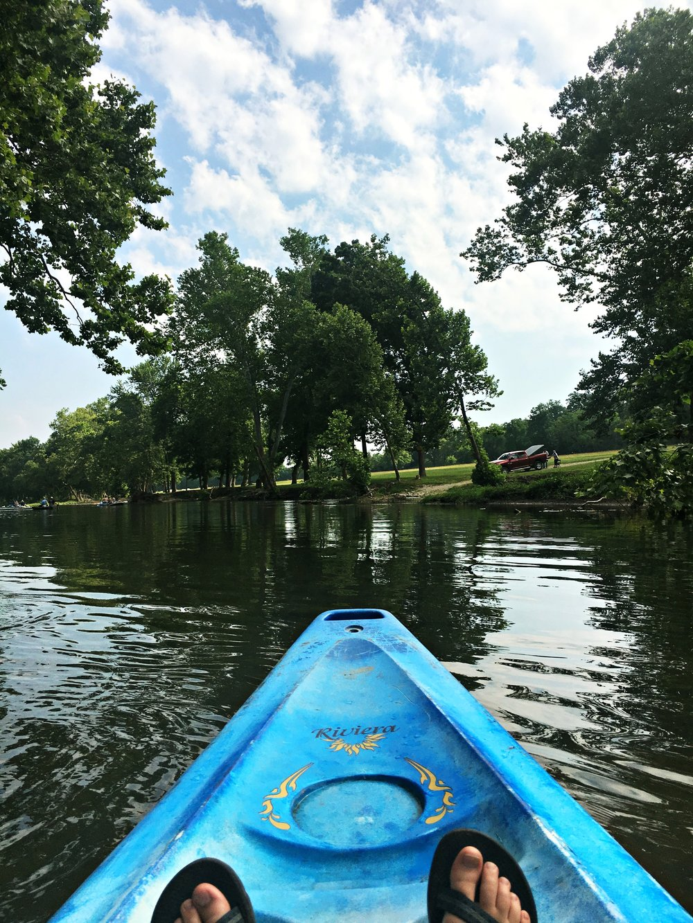 kayaking-niangua-river-missouri