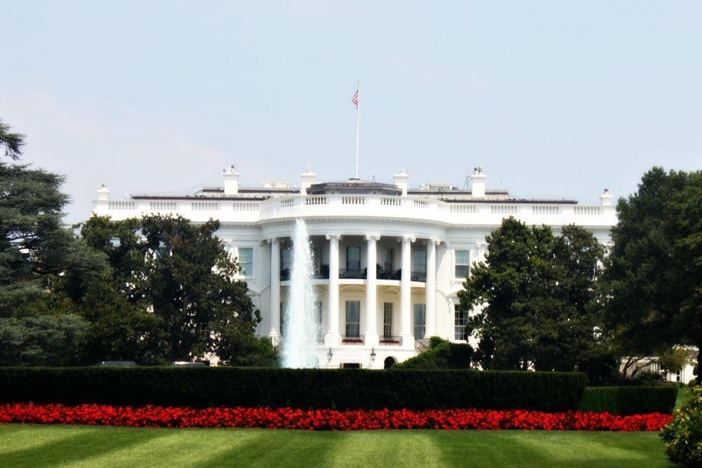 white-house-lawn