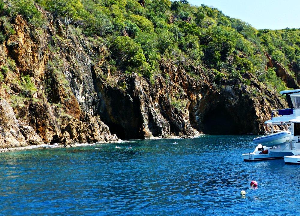 snorkeling-tortolla-caves