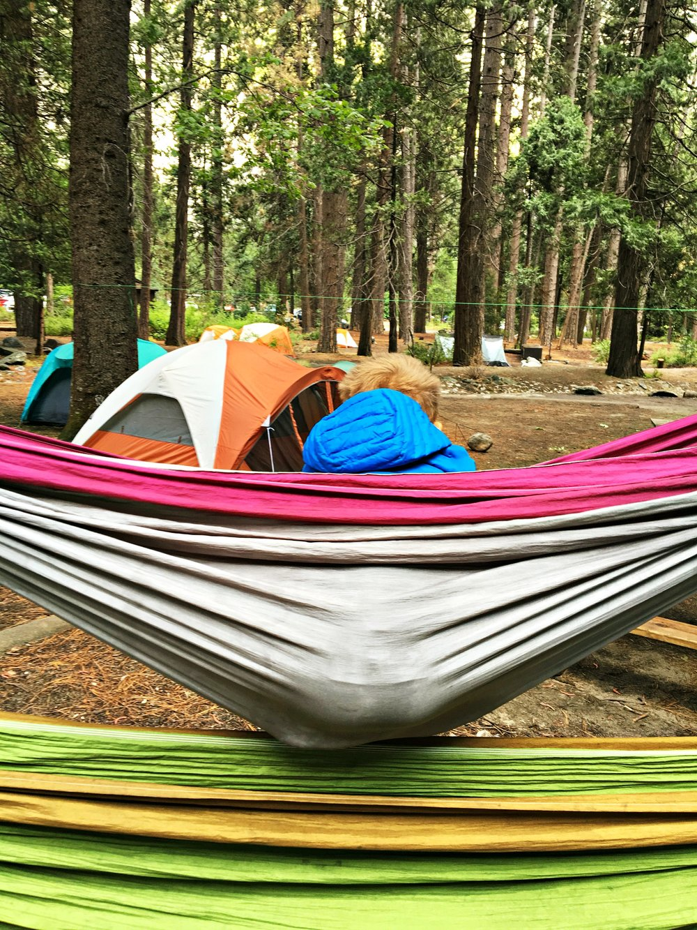This guide explains the top 10 most important benefits of camping in the great outdoors with your kids.Nature is beautiful, and there's nothing like exploring the wild and seeing what life has to offer outside of traditional modern conveniences.