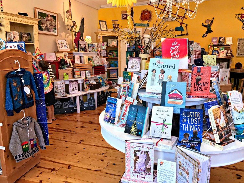 saugatuck-bookstore