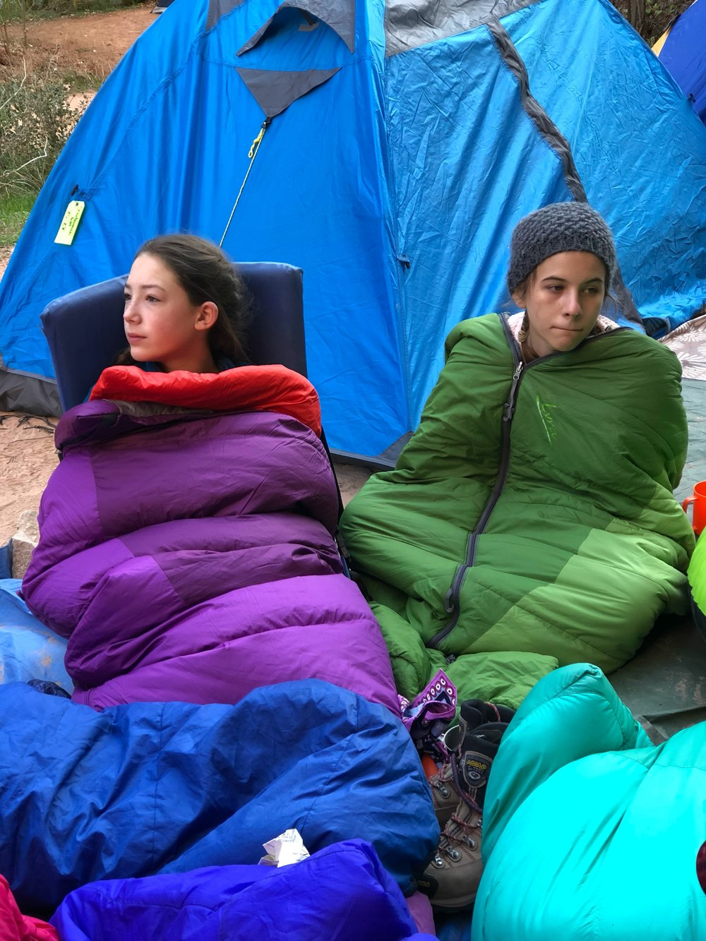 chilly-morning-sleeping-bags-campsite