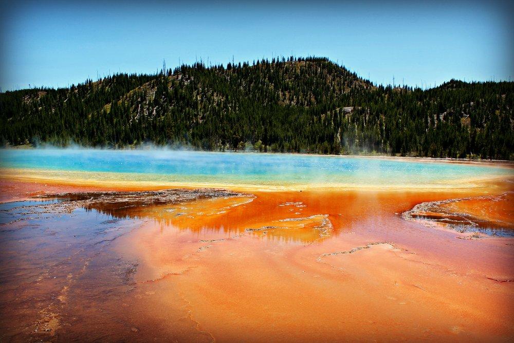 grand-prismatic-yellowstone-vacation