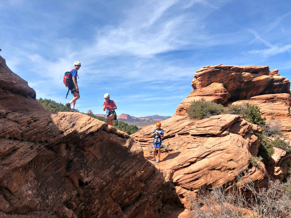 hiking-canyoneering-red-desert-family-day-trip