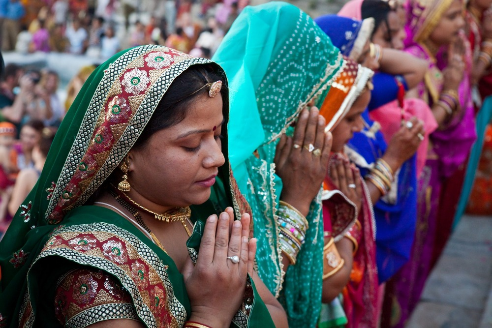 faith-gangaur-prayer_in_hinduism-worship-hd.jpg