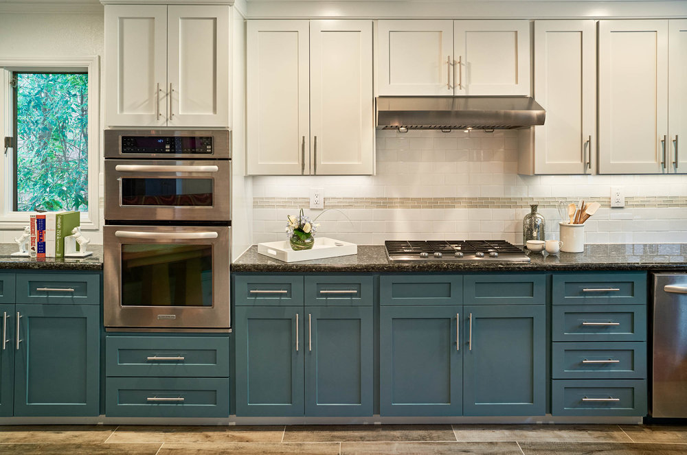 Design: Sabrina Alfin Interiors; Photo:  Dean J. Birinyi