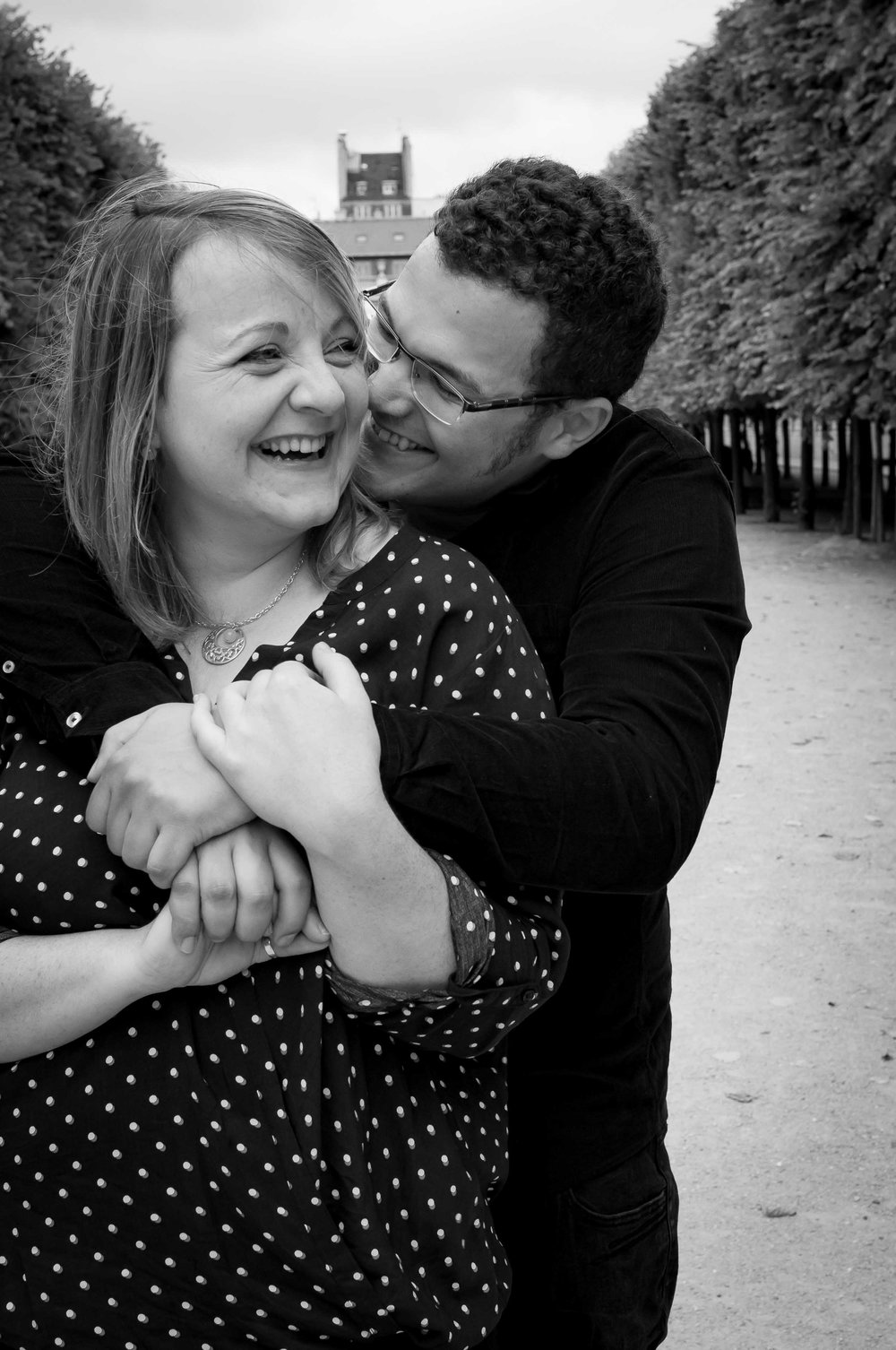 """Jenny : """"Cette photo décrit notre amour, des rires sans cesse, de la complicité, mon homme qui m'entoure, nos mains liées, cette photo montre notre amour tel qu'il est, doux, fort, et passionné """""""