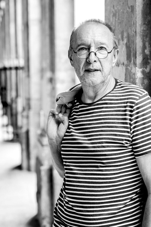 Une anecdote ? - Lors d'un voyage en Sicile, j'ai contracté la légionellose qui m'a valu un séjour à l'hôpital. Un mal pour un bien puisque je rencontre Jean François, mon voisin de la chambre 7. En plus d'une belle amitié, j'ai découvert mon futur partenaire de scène. On décide de fusionner nos passions (le saxo et les mots) et de monter un spectacle à l'occasion de la prochaine Nuit de la lecture à Paris. Et devinez quoi, notre projet s'appelle