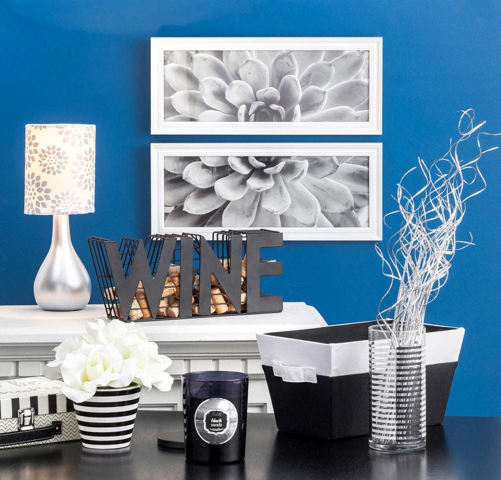 Black&White_Lifestyle.jpg