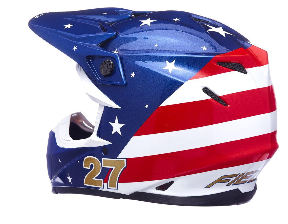 Helmet_002.jpg