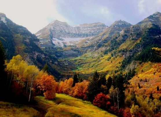 Provo Canyon in Utah  via  virtuos0