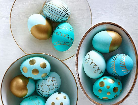 Lots of egg decorating ideas from  Better Homes & Garden