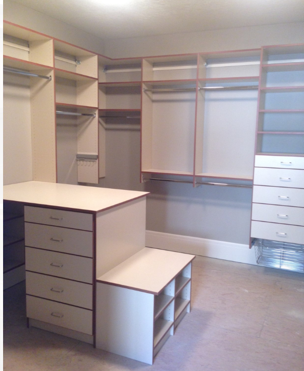 You can see the gallery of photos for closets  here .
