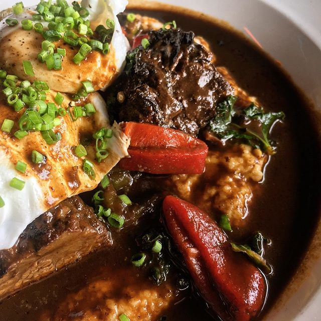 mole braised short rib | cheesy grits | roasted peppers | kale | poached eggs | brunch | golden hill | counterpoint #CPorDIE