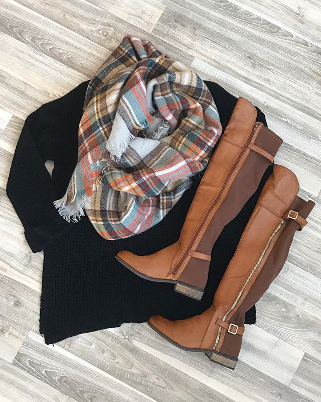 sweater-scarve-boots.jpg