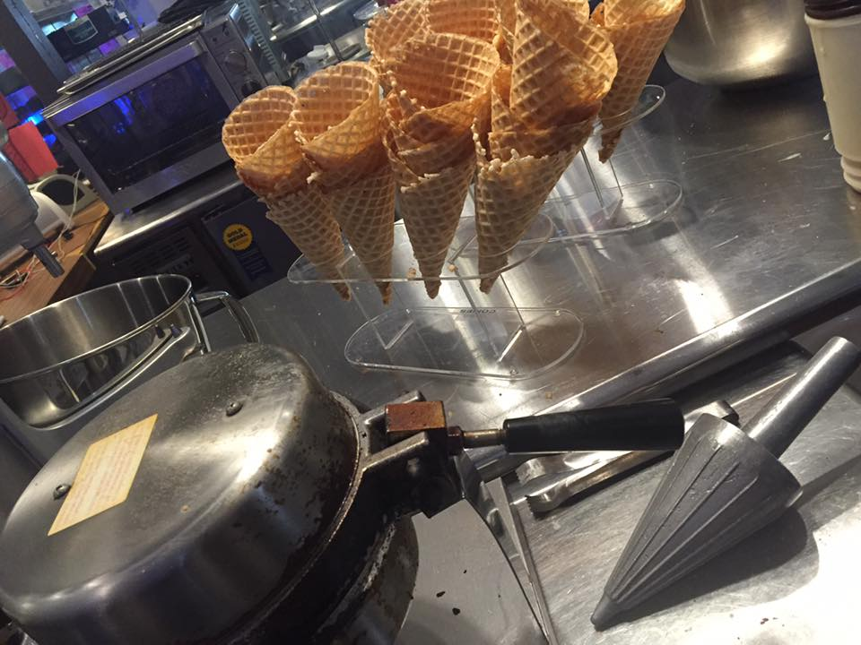 College-Hill-Creamery-cones.jpg