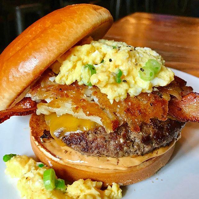 Dempseys-Burger-Pub16.jpg