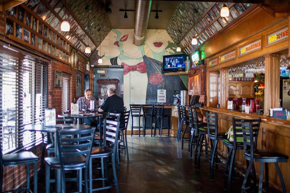 Morts-Cigar-Martini-Bar-interior.jpg