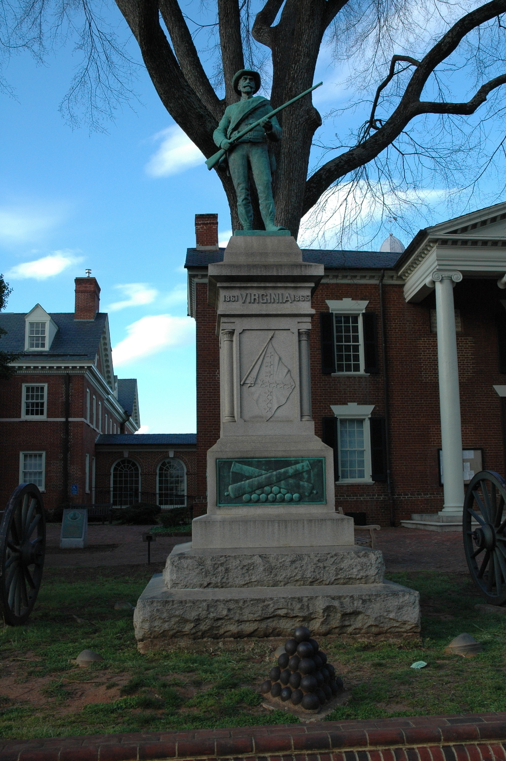 Court Square Charlottesville Monument The Virginia.JPG
