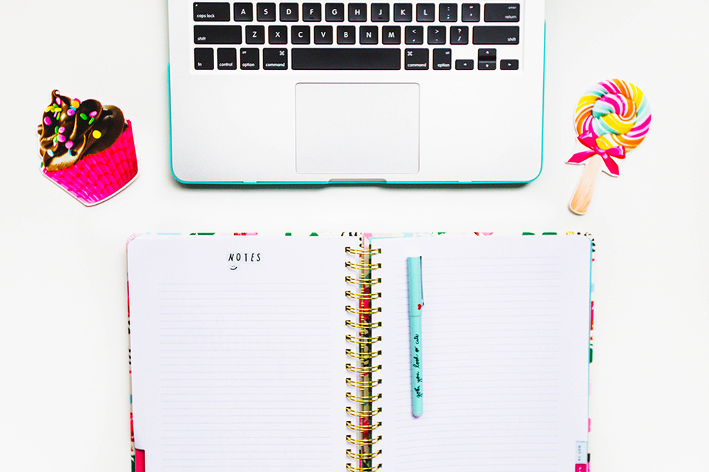 Check out how to conquer BLOG OVERWHELM in 24 steps (+ freebies and resources to take your blog to the next level!)