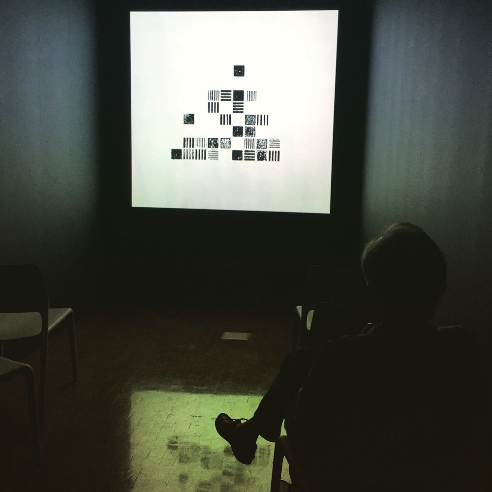 23_5ppi_fps_screenroom.jpg