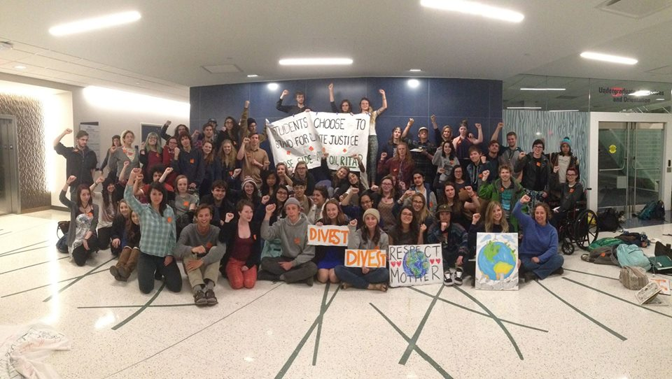 Fossil Free NAU student organizers calling on President Rita Cheng to divest NAU from fossil fuels.
