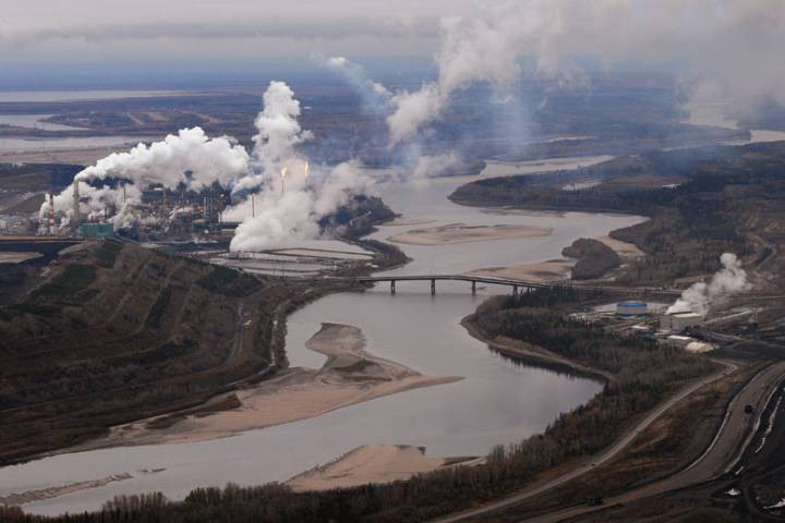 Athabasca River Pollution (Global News)