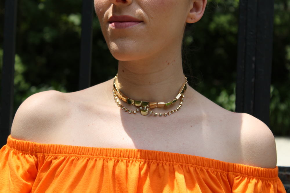 Here is a better look at how the dress layed off the shoulder. I also love this gold choker, it feels so regal! Chokers are really big right now and I think when it is a delicate piece like this one, they can be worn all the time.