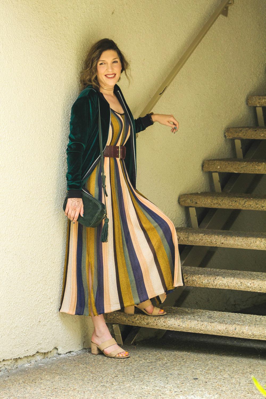 Dress:   Zara   // Shoes: F21,   similar here   // Purse:   similar here   // Jacket: Boohoo,   similar here   // Belt:   similar here