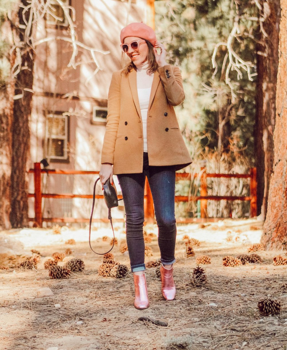 Blazer: old, similar   here   // Jeans:   BR   // Boots:   Unlace   // Purse:   J.Crew   //Sunnies:   Stella McCartney   // Hat:   Boohoo   // Top: Free People, similar   here