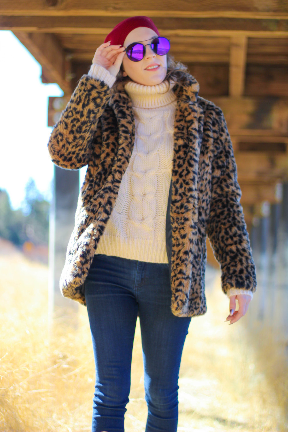 Jacket:   Shein   // Sweater:   Shein   // Jeans:   BR   // Boots: similar   here   // Hat:   Shein   // Sunnies: similar   here
