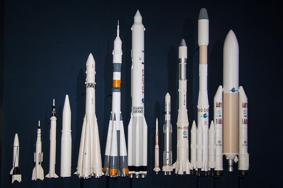 v2-rocket-193762_960_720 (1).jpg