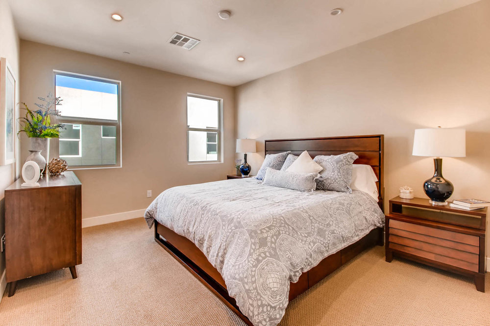 820 N 8th Ave 23 Phoenix AZ-large-019-17-2nd Floor Bedroom-1500x1000-72dpi.jpg