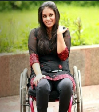 Virali is a disabled woman from Mumbai who was fed up of being groped by train porters whom she had to rely on to get on to inaccessible trains. After 197,000 people supported her campaign and national media coverage, Virali is now preparing to take her campaign to the state-level to set a precedent for accessible trains.