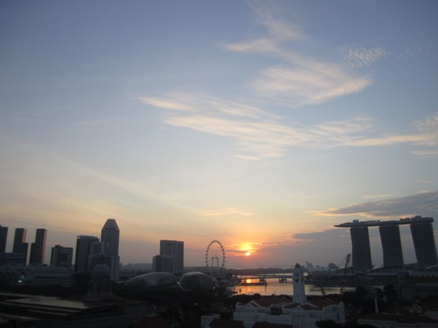 Singapore at sunset, with the famous Marina Bay Sands floating boat hotel complex on the right (photo: CR)