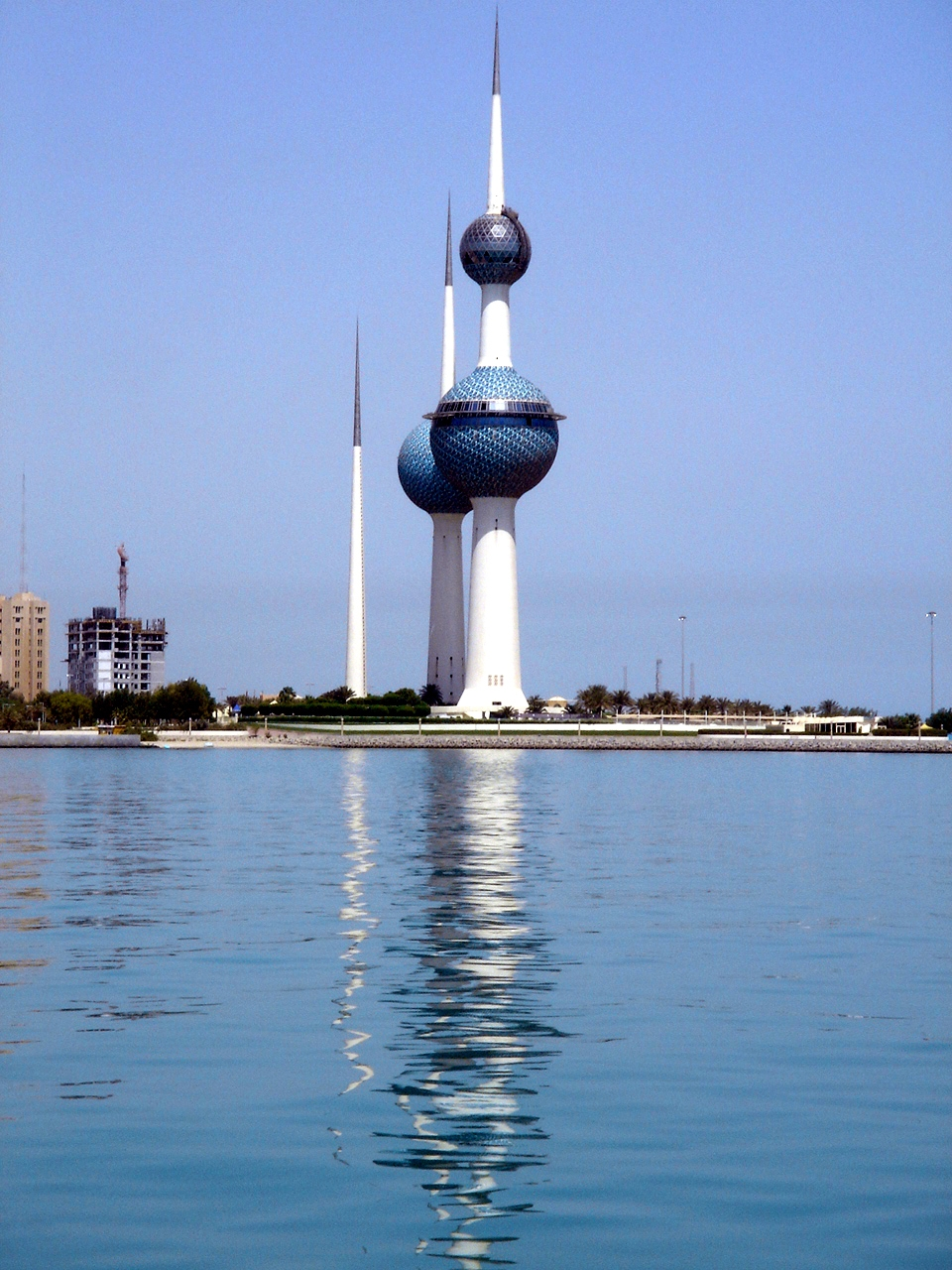 Kuwait Towers: sort of like two intercontinental ballistic missiles suffering from tonsillitis (Picture by http://en.wikipedia.org/wiki/User:Deepak_gupta [CC BY-SA 2.5 (http://creativecommons.org/licenses/by-sa/2.5)], via Wikimedia Commons)