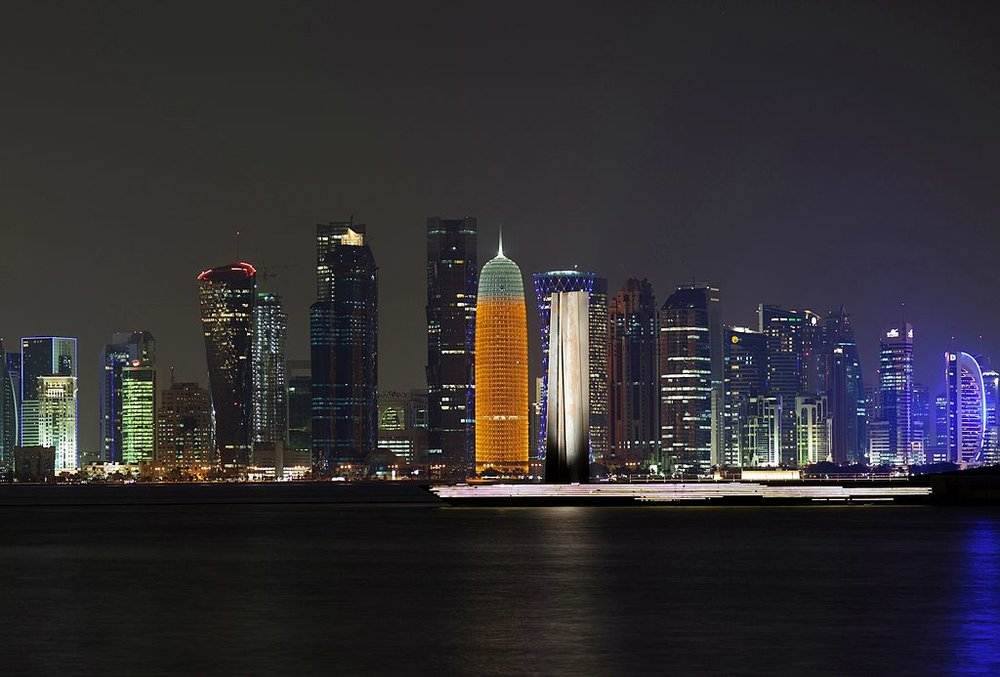 Doha sparkles at night  (Picture by Jimmy Baikovicius (Flickr) [CC BY-SA 2.0 (http://creativecommons.org/licenses/by-sa/2.0)], via Wikimedia Commons)
